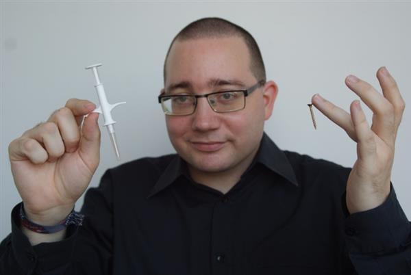 专访生物黑客PatrickPaumen:当我在体内植入9块RFID芯片后